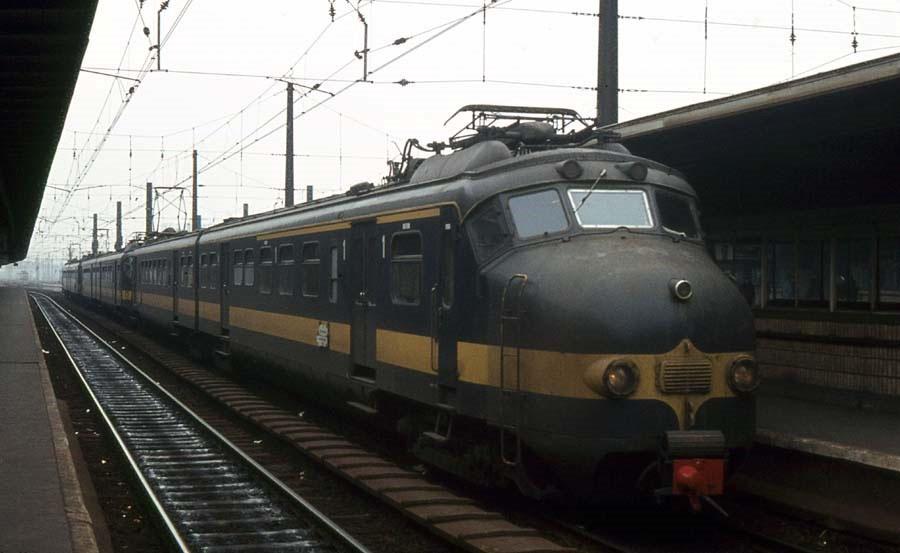1975-VK-10